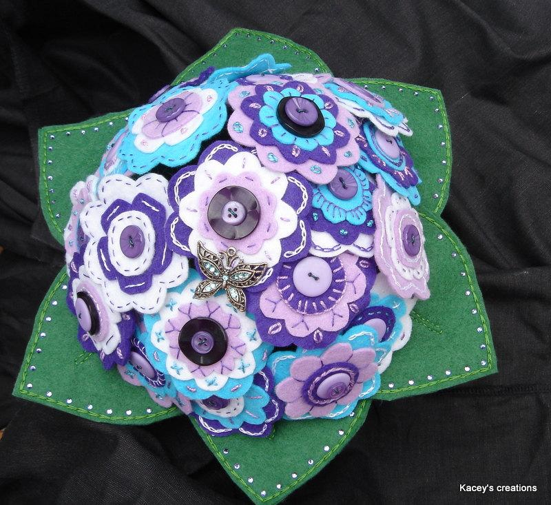 زفاف - Felt flower and button bridal  bouquet