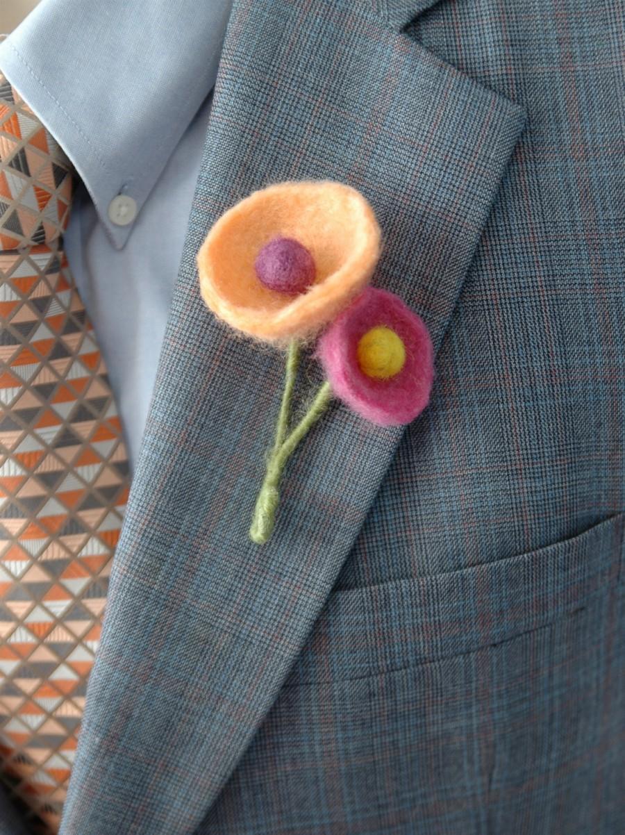 زفاف - Felt boutonniere for funky modern wedding - orange, purple and pink funky felt flowers