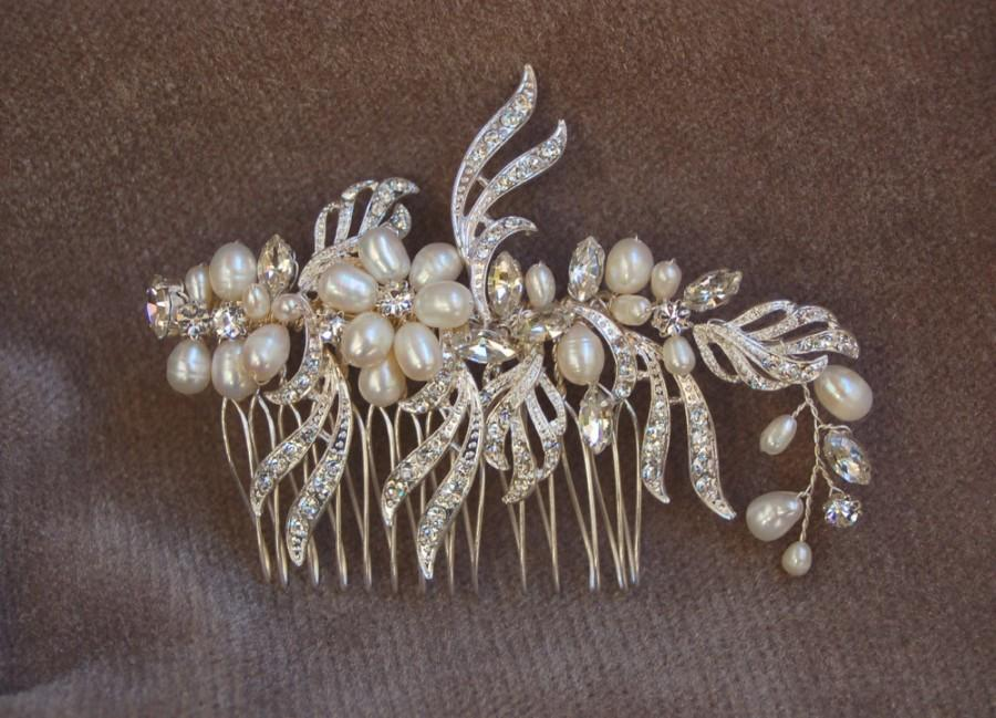 Mariage - Austrian Crystal / Swarouski Crystal  And Fresh Water Pearl Hair Comb / Bridal Rhinestone & Pearl Hair Comb / Wedding Hair Comb