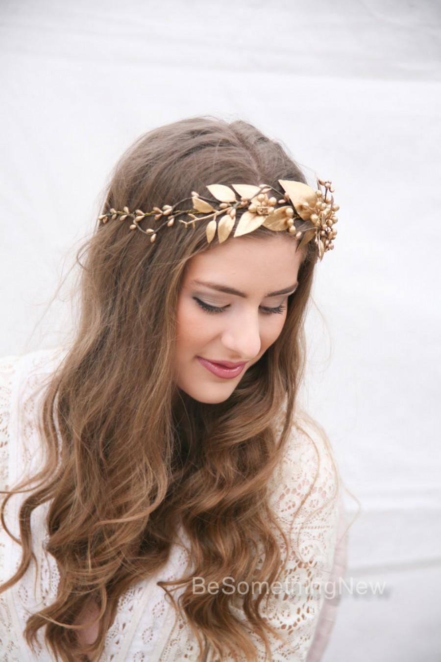 Mariage - Gold Rustic Bohemian Wedding Wreath, Headpiece of Golden Leaves and Berries Gold Flower Crown Bridal Hair Vine Boho Wedding