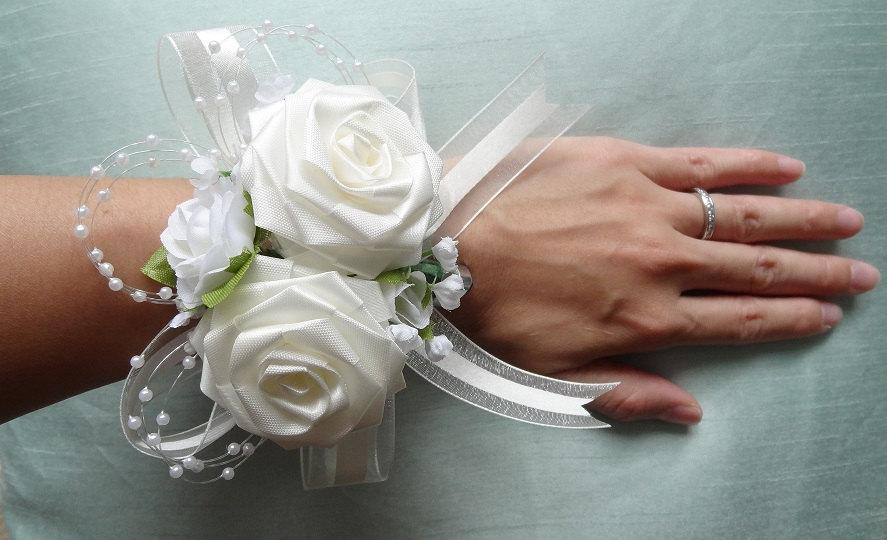 Hochzeit - Origami Wrist Corsage for Wedding/ Anniversary/ Prom/ Birthday/ Sweet 16/ Graduation/ Mother's Day/ Homecoming