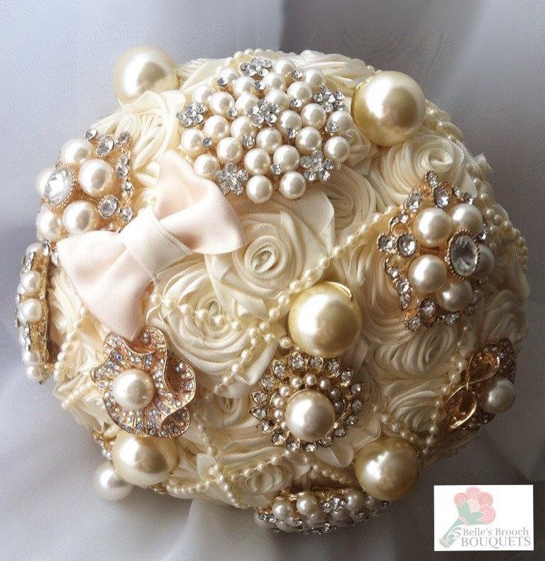 Mariage - Ivory satin ribbon rose brooch bouquet. Fabric brooch bouquet. Brooch bouquet. Ribbon rose bouquet. Ivory brooch bouquet