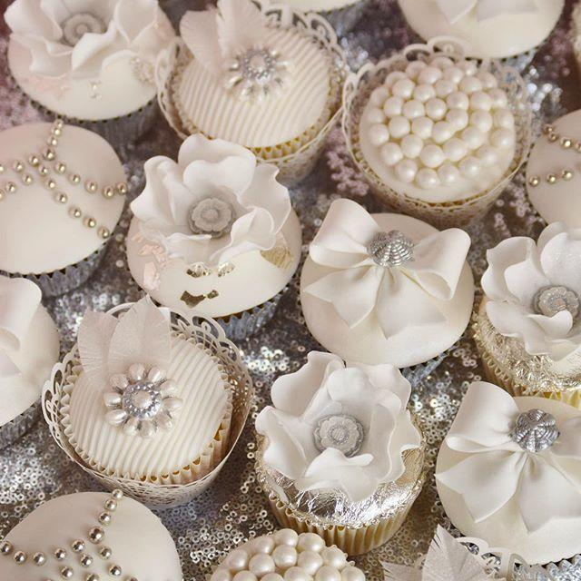 Свадьба - Tracy James @cottonandcrumbs 50 Matching Cupca...Instagram Photo