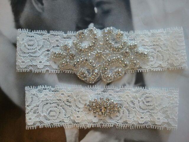 Свадьба - Bridal Garter, Wedding Garter and Toss Garter - Crystal Rhinestone on a White Lace - Style G703