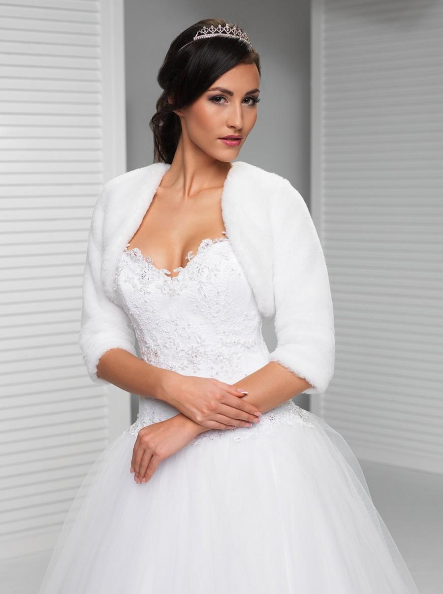 Свадьба - Simple Faux Fur Winter Bridal Jacket