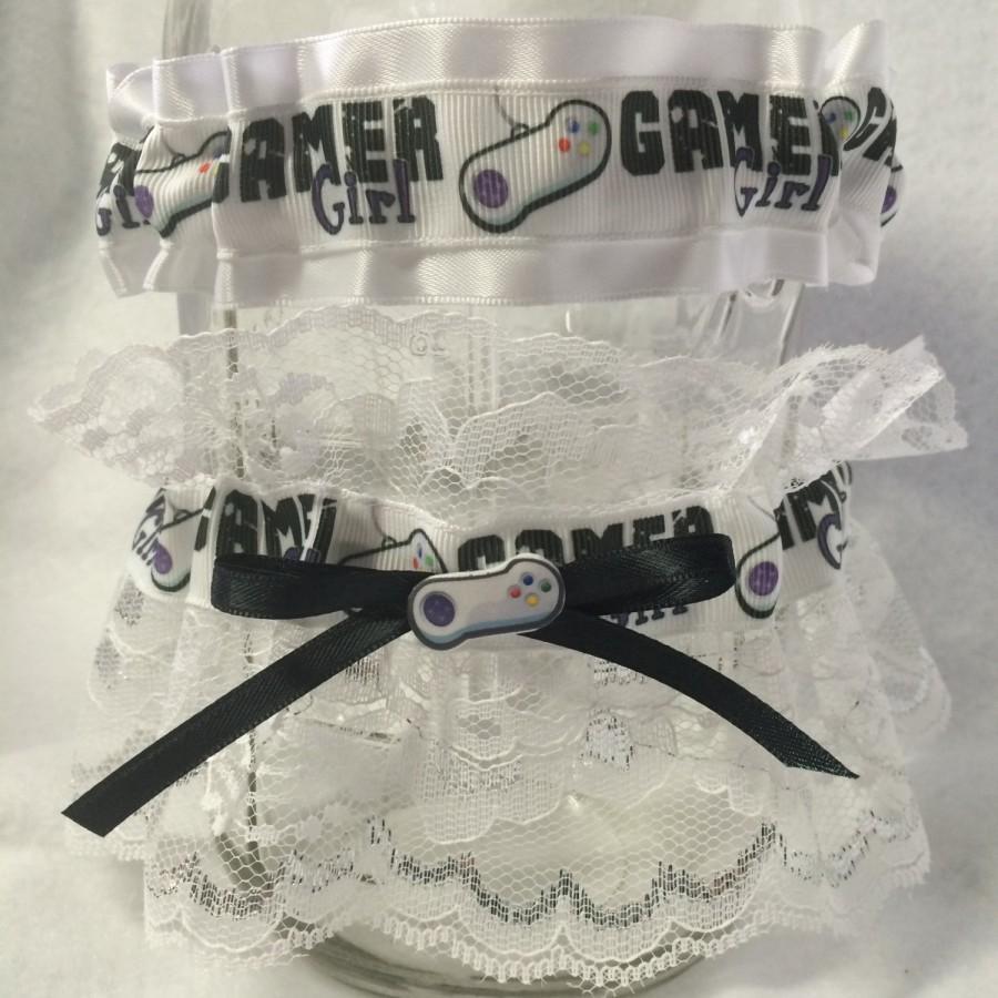Hochzeit - Gamer Girl Gaming Keepsake Toss Garter Set Geek Nerd Wedding Gaming Player 1 Player 2
