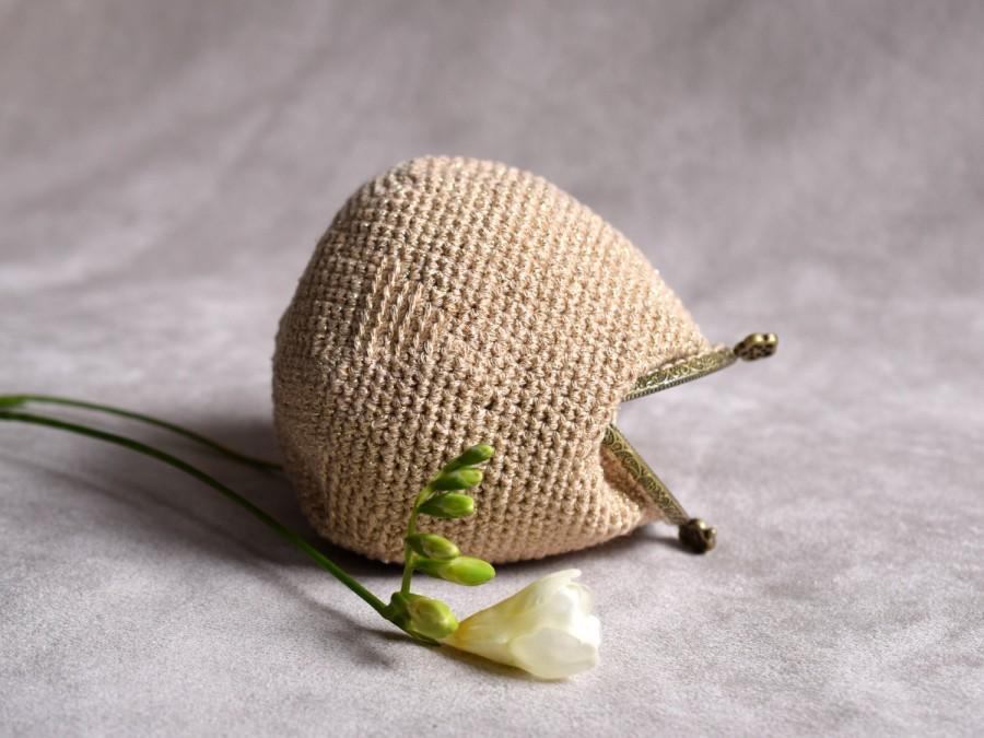 Hochzeit - Golden purse, small pouch for a bride, kiss lock purse, crochet cotton coin purse