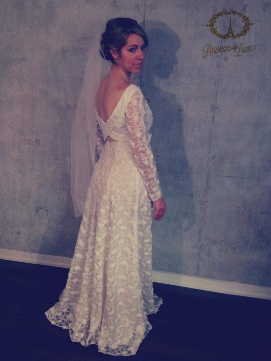 "Hochzeit - Fingertip Bridal Veil, Blusher Veil, Bridal Tulle Veil, Bride Hairpiece, White, Off White, Ivory, Sparkle White, Sparkle Ivory 43"""