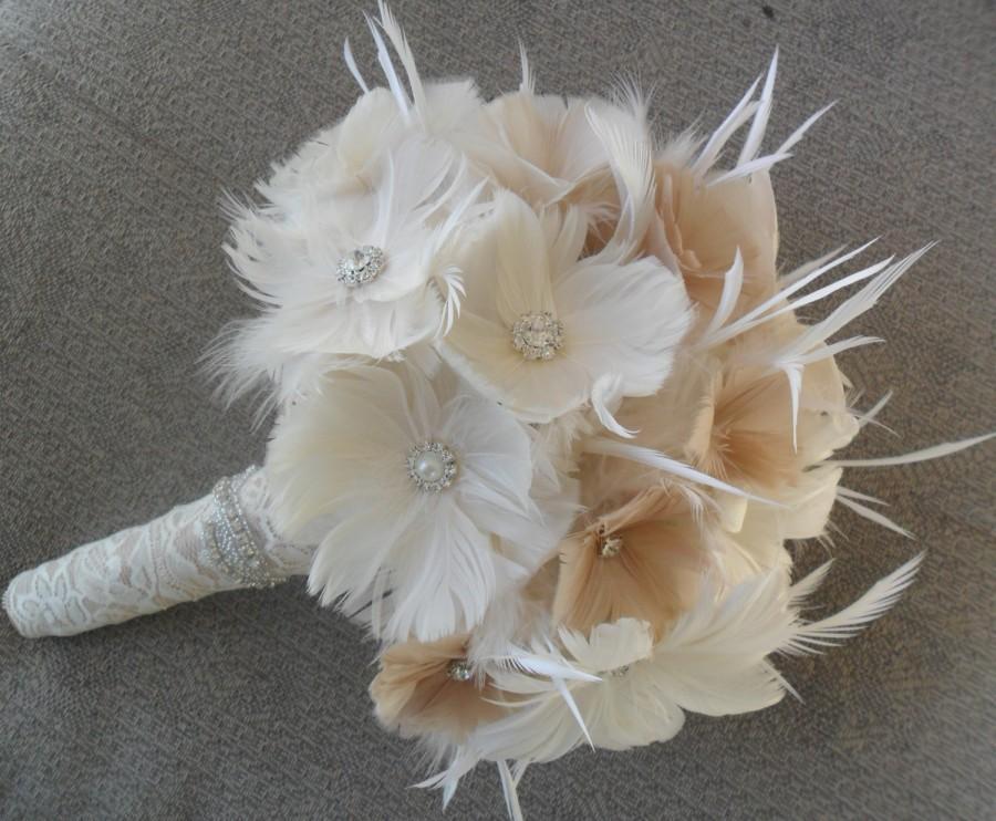 Mariage - Feather Wedding Bouquet, Bridal Bouquet, Vintage Style Bouquet, Brooch Bouquet, Gatsby Wedding, Alternative Bouquet, YOUR CHOICE COLOR