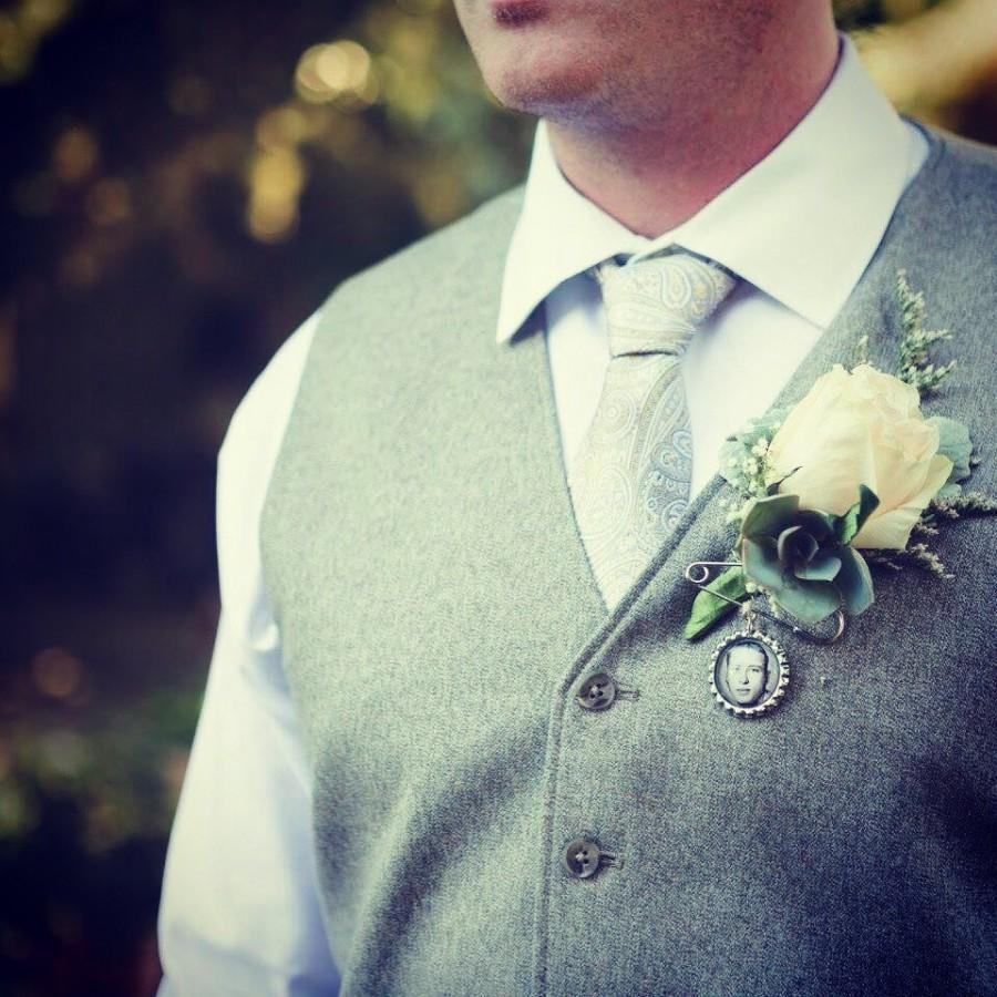 Mariage - Custom Personalized Photo Bottle Cap Groom's Boutonniere Charm for something treasured