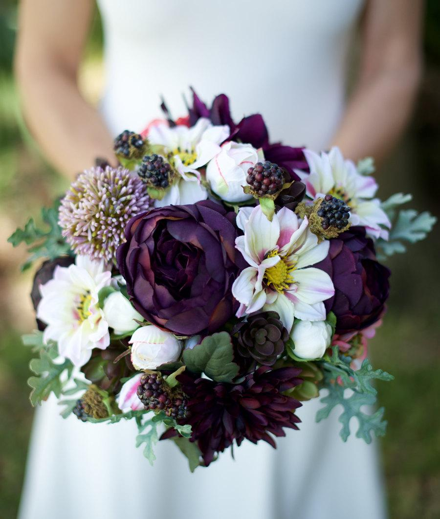 Mariage - AMAZING Lilac Plum Wedding Silk Succulent, Peonies, Dahlias and Berries Silk Flower Bride Fall Rustic Bouquet