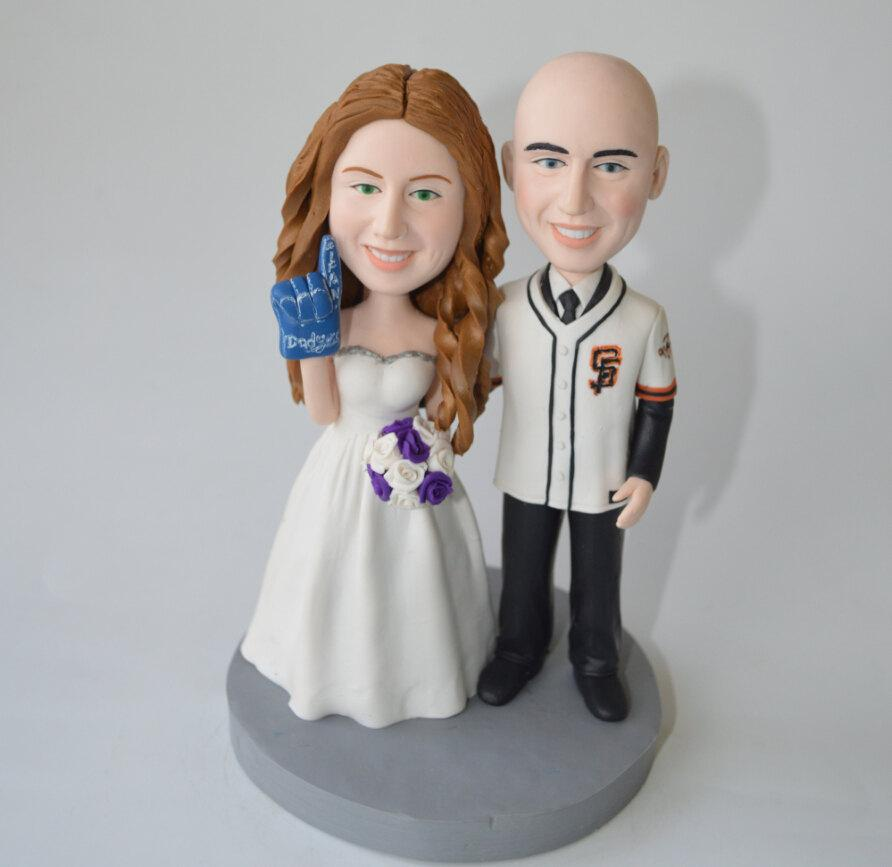 Свадьба - wedding cake topper Baseball cake topper funny cartoon bride & groom figure figurines