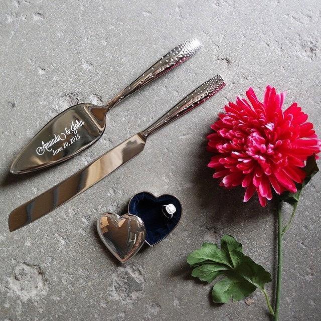 Nozze - Nambe Tilt Dazzle Cake Knife and Server Set - Custom Engraved Wedding Cake Server and Knife SET - Personalized Wedding Gift - Anniversary