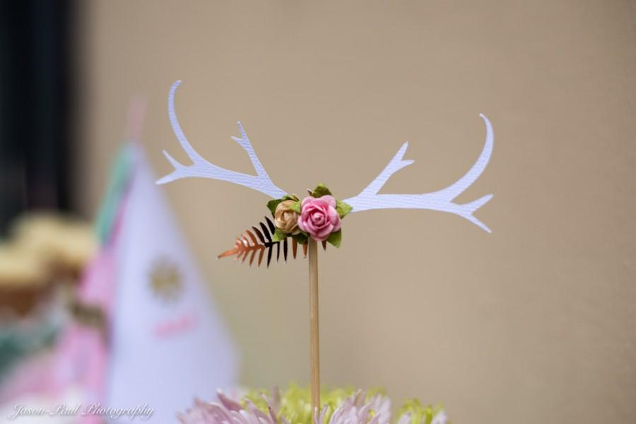 Mariage - Boho Chic Antlers with Flowers Centerpiece - Rustic Bohemian Antler Centerpiece//Boho Baby Shower Decor//Antlers Birthday Cake Topper