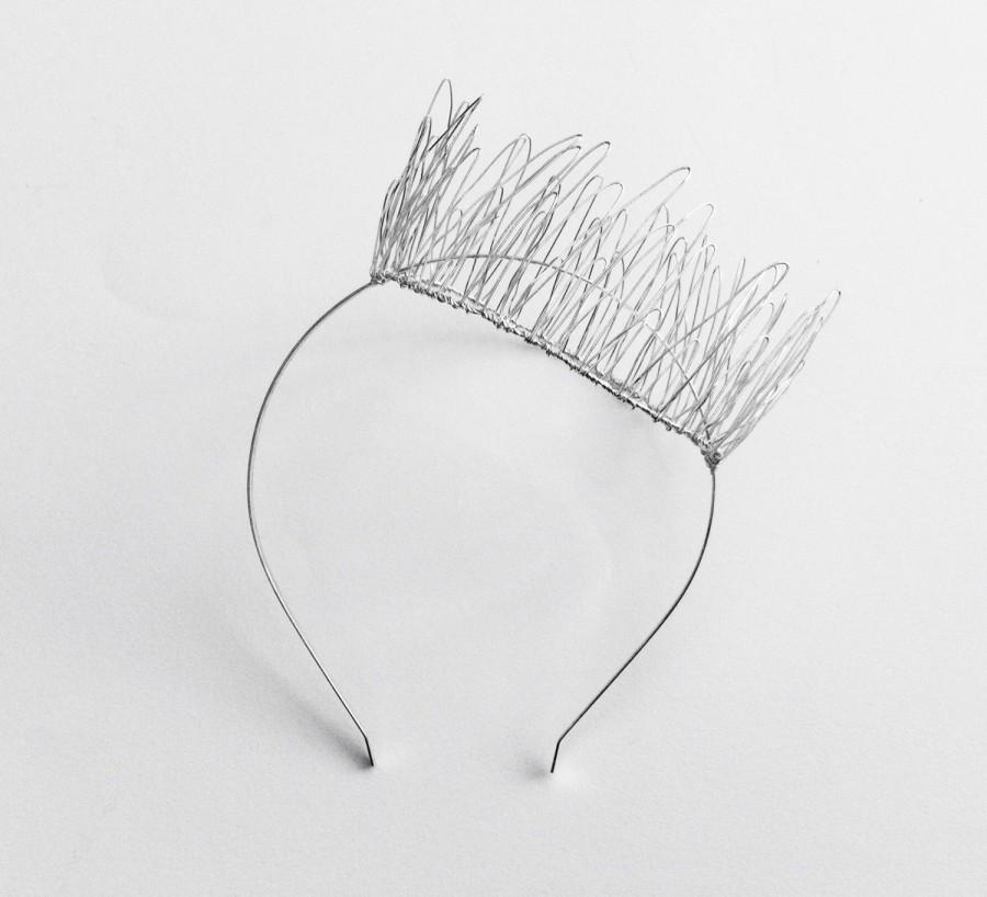 Mariage - Large Silver Wire Crown Fascinator, Metal Side Crown, Fairy Crown, Alternative Bridal Crown, Faerie Headpiece, Metal Tiara,