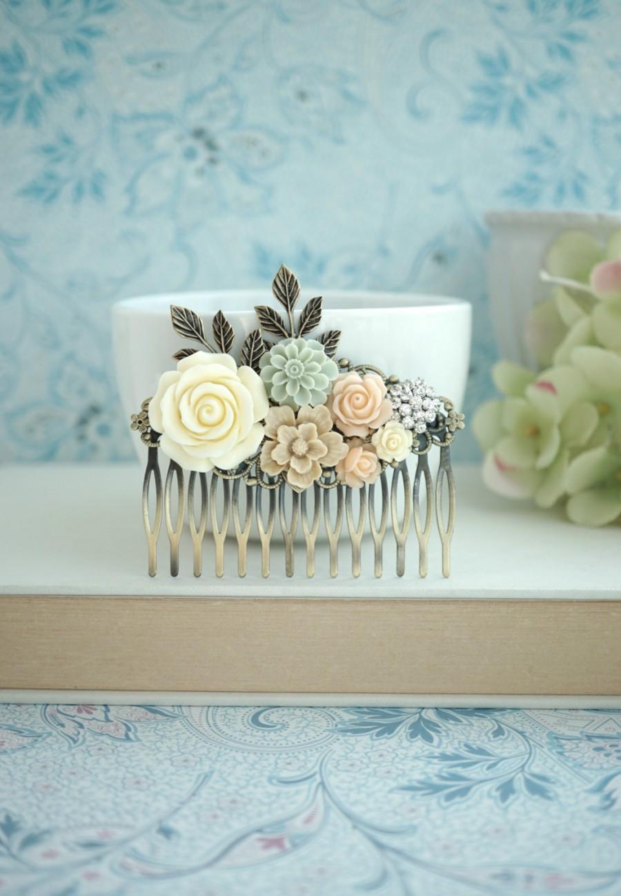 Hochzeit - Ivory Peach Green Large Wedding Comb. Ivory Rose, Grey Green, Peach, Rhinestone, Leaf Flower Bras Bridal Comb, Peach Wedding Bridesmaid Gift