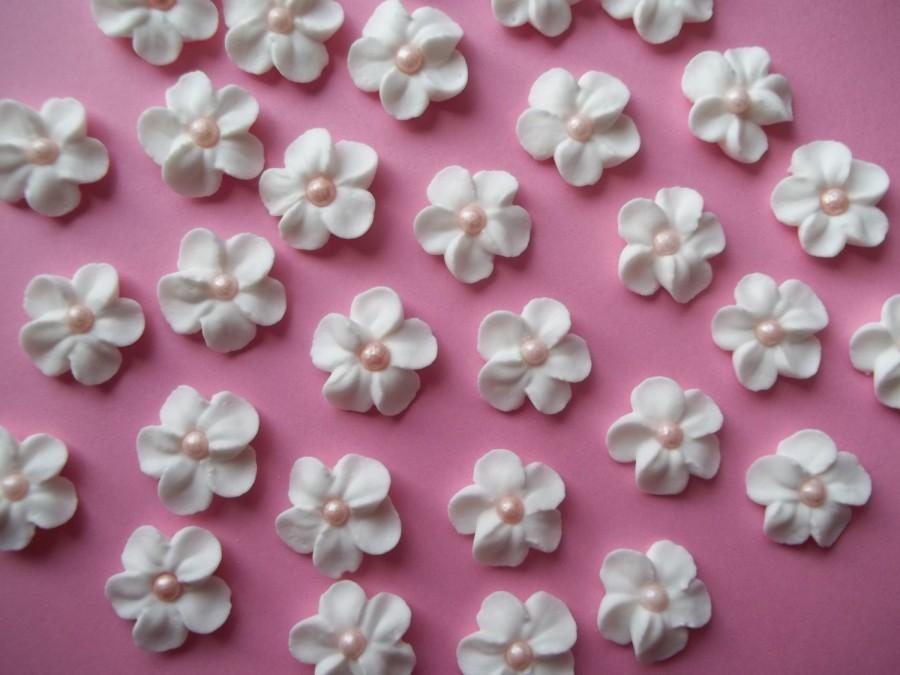 White Royal Icing Flowers With Pink Pearl Centers Cake