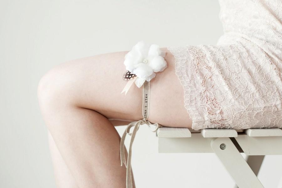 Hochzeit - Bridal Garter, Wedding Garter, Rustic Flower, Floral Garter - Sweety