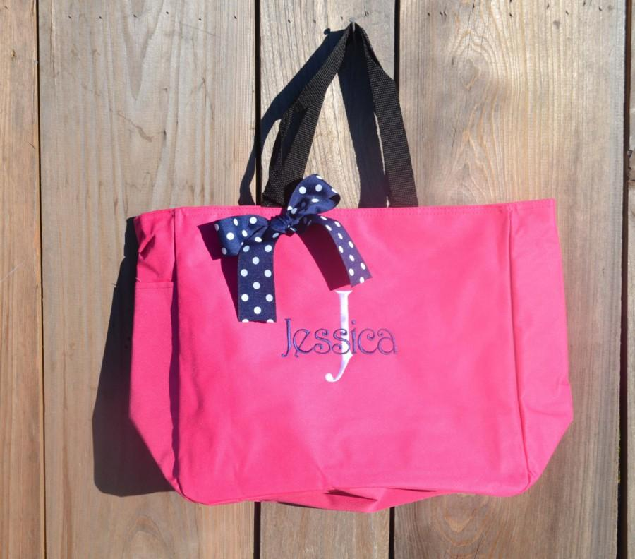 Свадьба - 6 Personalized Bridesmaid Gift Tote Bags- Bridesmaid Gift- Personalized Bridemaid Tote - Wedding Party Gift - Name Tote-