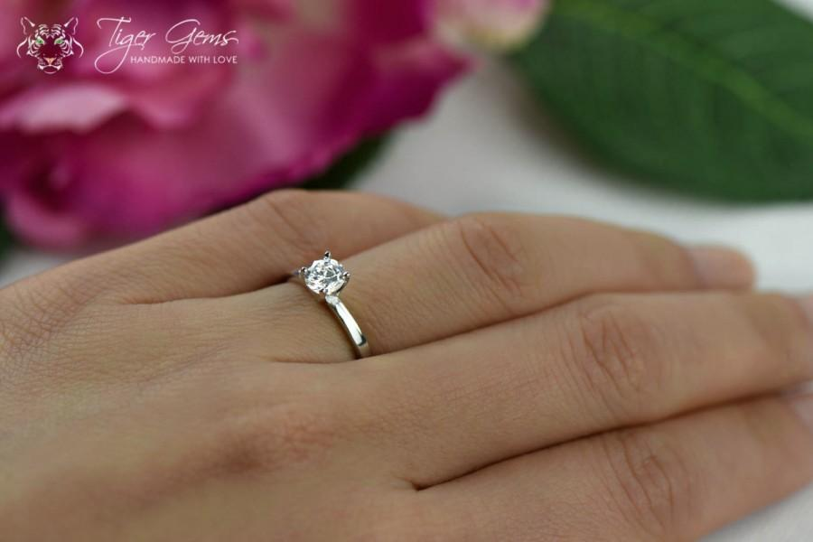 12 Carat Classic Solitaire Engagement Ring Round Cut Man Made