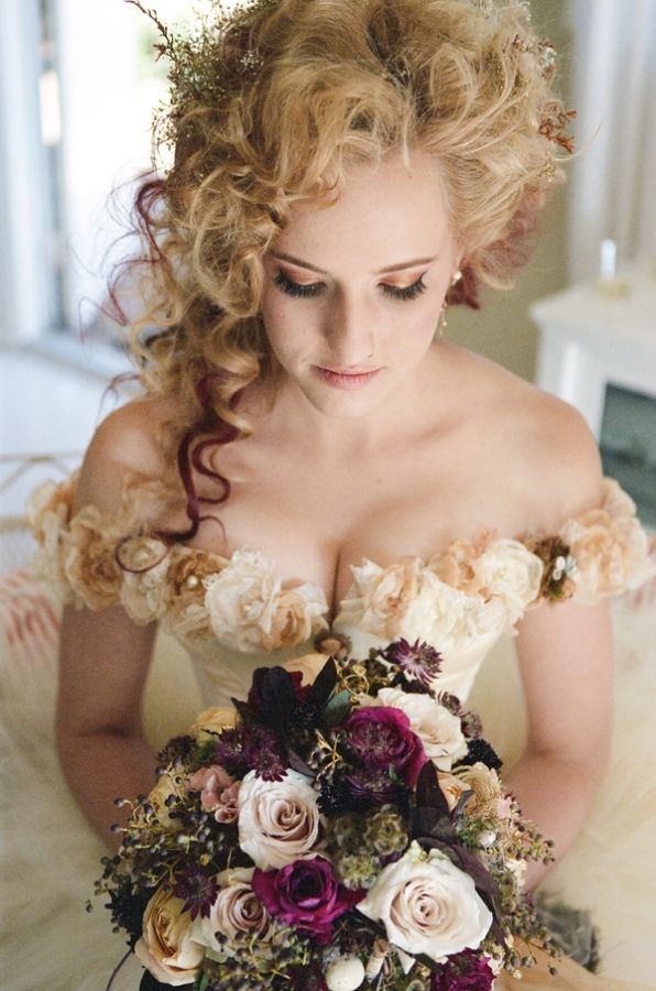 Bouquet Fleur Victorian Steampunk Wedding 2471816 Weddbook