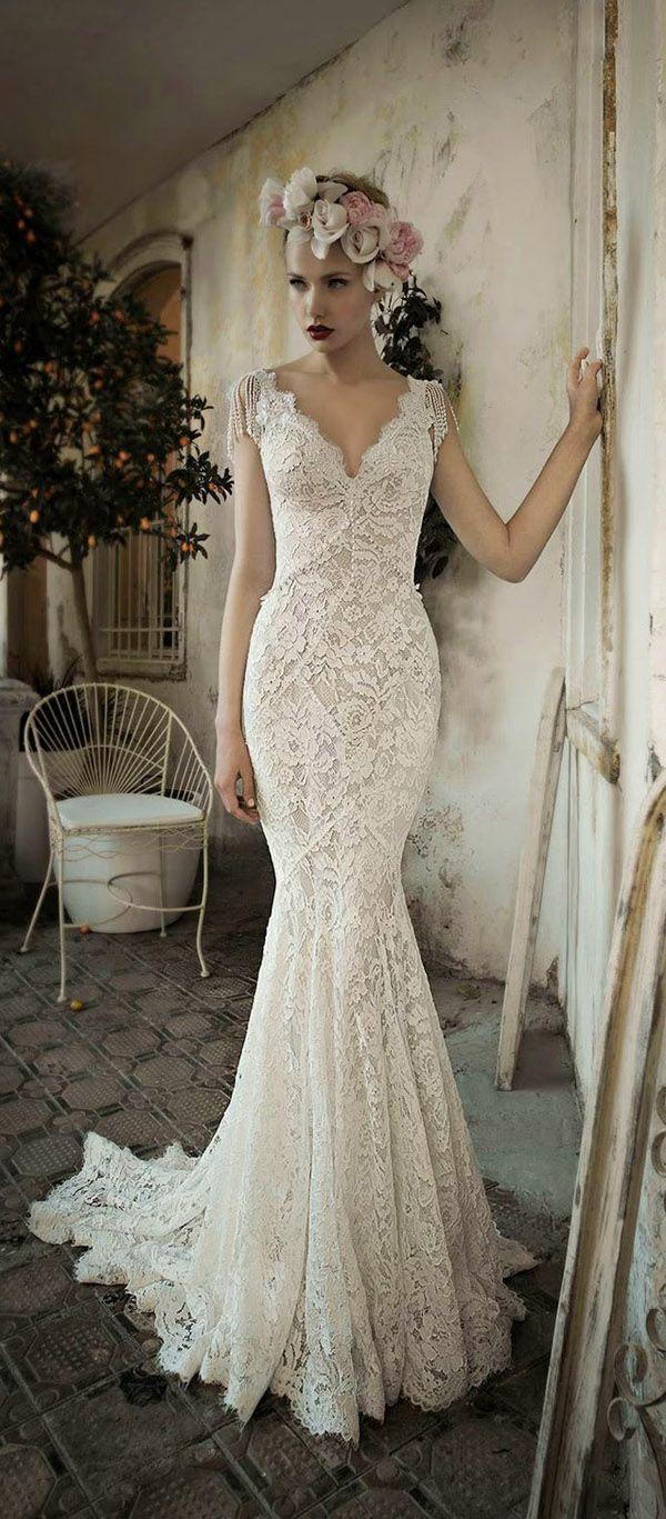 Top 18 Vintage Wedding Dresses For 1816 Brides 18   Weddbook