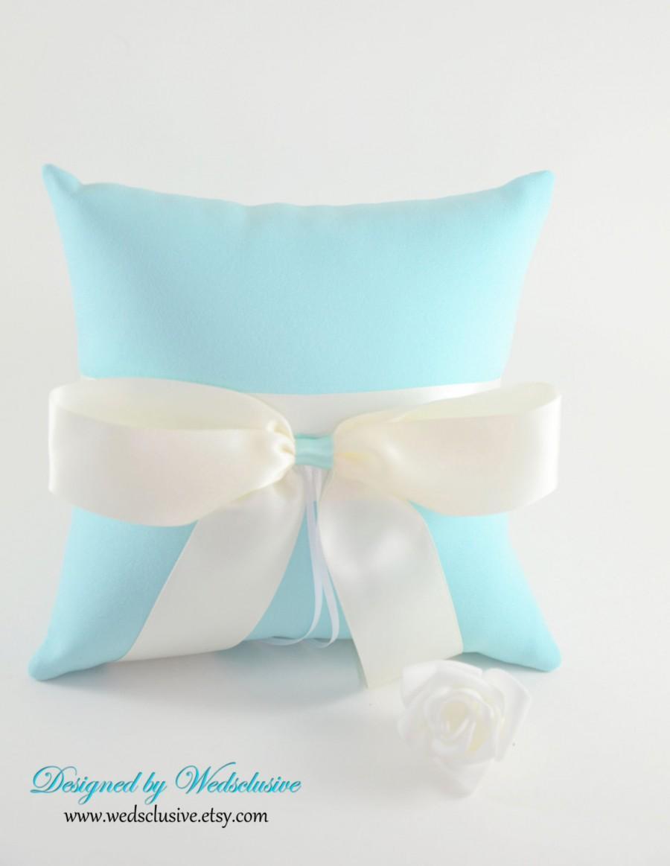 Свадьба - Robins Egg Blue Ring Bearer Pillow, Aqua weddings