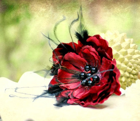 Mariage - Pin / Hair Clip / Comb Red & Black Feathered Flower Fascinator. Bride Bridal Bridesmaid Statement, Pearl Bead Feather Glitter, OTHER colors