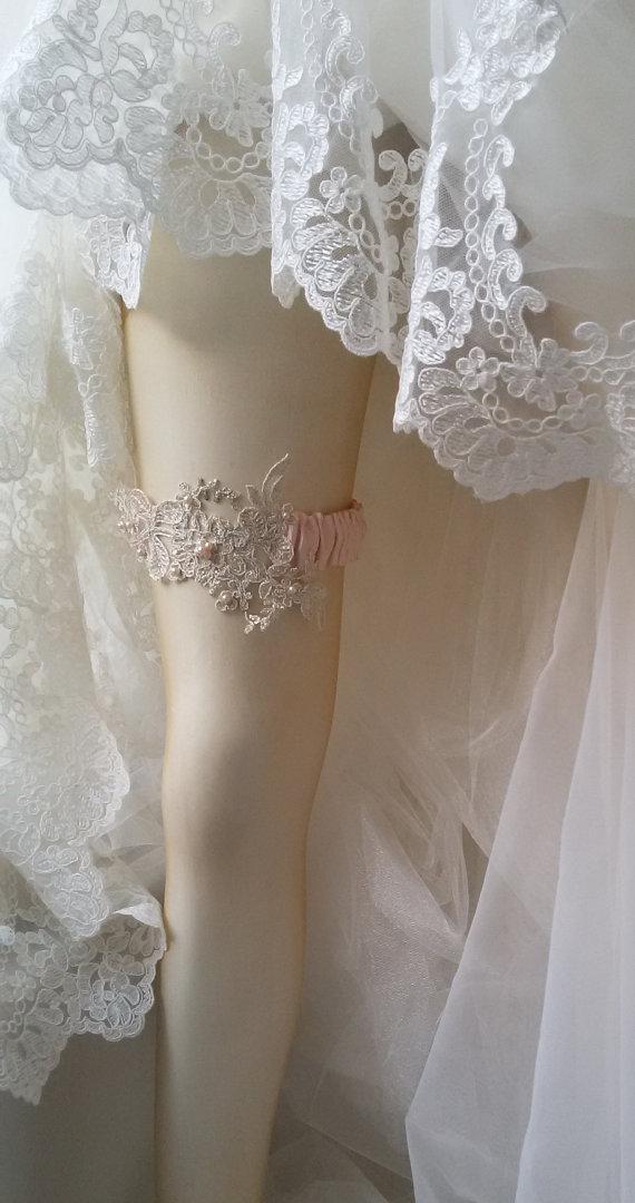 Mariage - Wedding Garter, Wedding leg garter, Pink Ribbon Garter , Wedding Accessory, İvory Lace accessories, Bridal garter