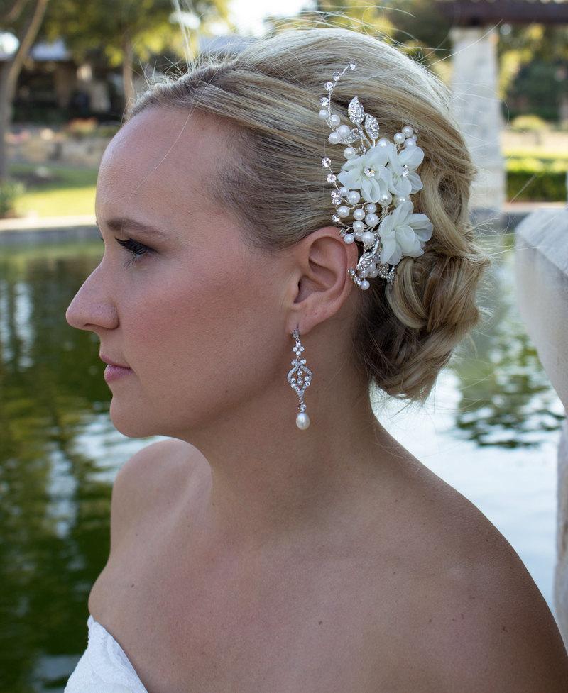 Mariage - Ivory rhinestone wedding hair flower comb, wedding hair accessories, wedding flower comb, hair flower comb, ivory hair flower 205297273