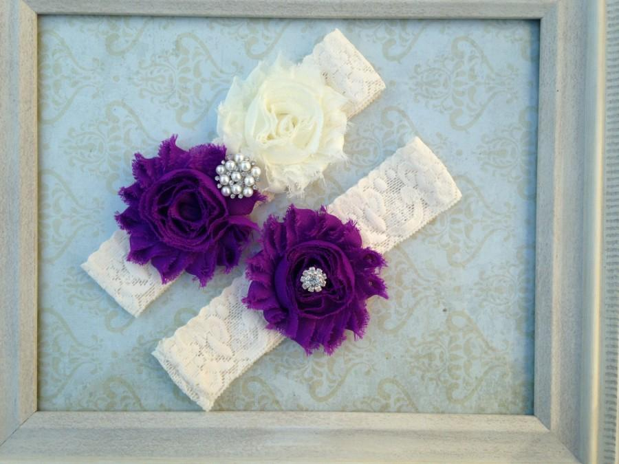 Свадьба - Purple & Ivory (or White) Lace Garter Set - Shabby Wedding Garter - Rhinestone Pearl Accents - Plus Size Also - other colors available