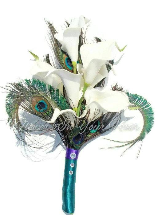 Mariage - Peacock calla lilies bouquet ~ Keepsake Bouquet ~ Peacock Wedding Flowers ~ Silk Flowers ~ Gift for Bridesmaids ~ Bridal Bouquet