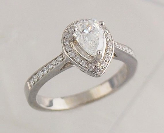 Mariage - Pear Shaped Engagement Ring- 18k White Gold with 0.55 Ct. Center Diamond