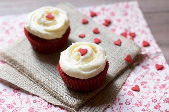 Valentine S Day Cakes Cupcakes And Company 2473983 Weddbook