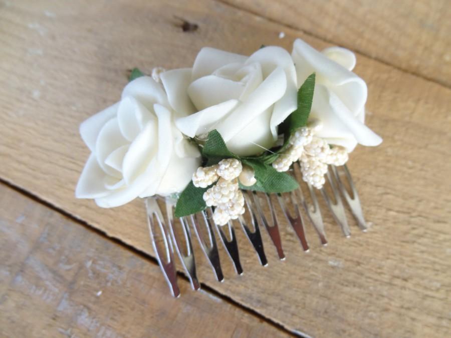 Mariage - Wedding Hair Comb , Bridal Hair Piece, Bridal Rose Hair Comb, Ivory Flower Hair Comb Romantic, Hair Accessories, Bridesmaid Gifts