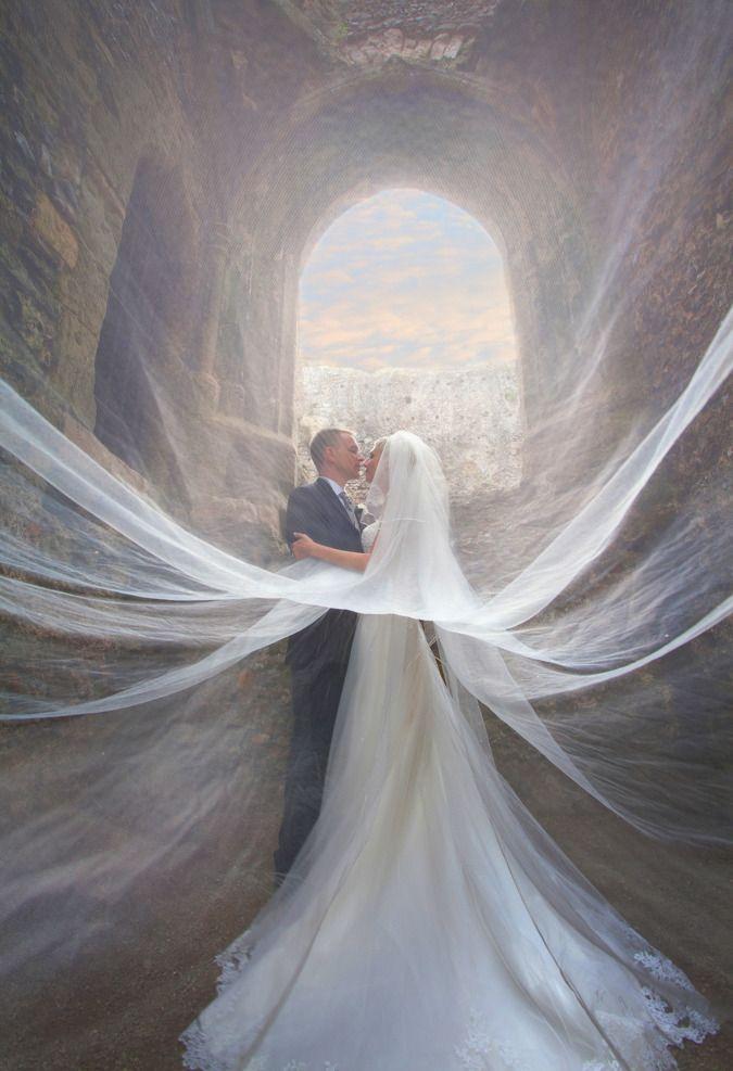 Wedding - Incredible Wedding Photos Of Couples That Go Above & Beyond