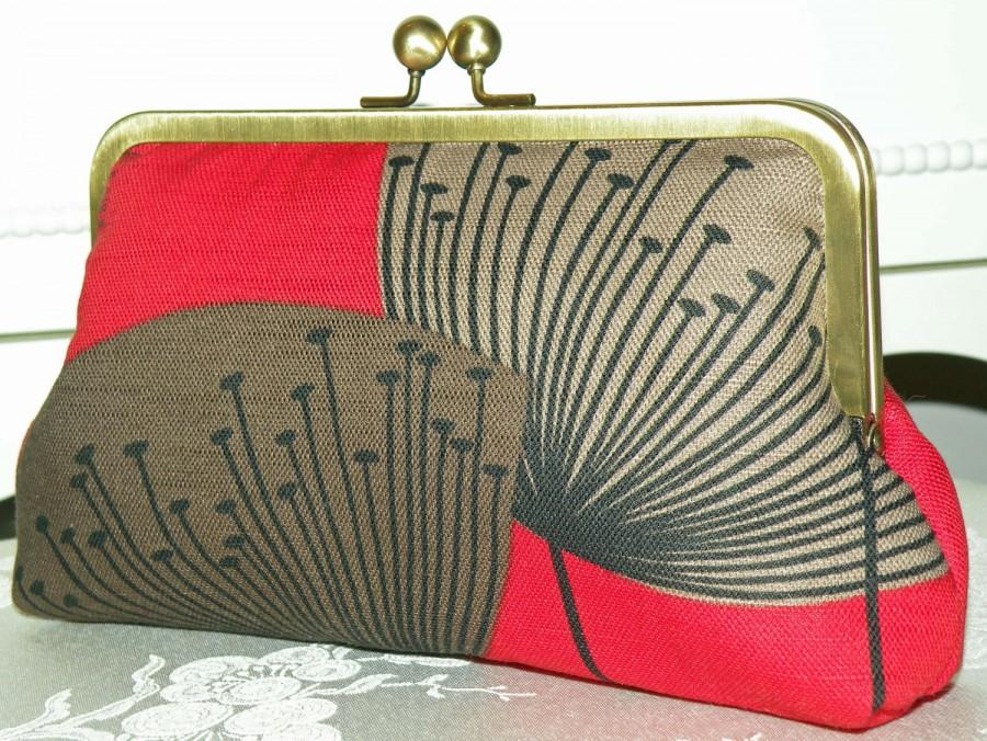 Mariage - Clutch/Purse/Bag..Long Island Bridal/Wedding..Red/Brown/Taupe..Silk Lined Bridesmaid Gift..Free Monogram..Dandelion Clocks..Retro