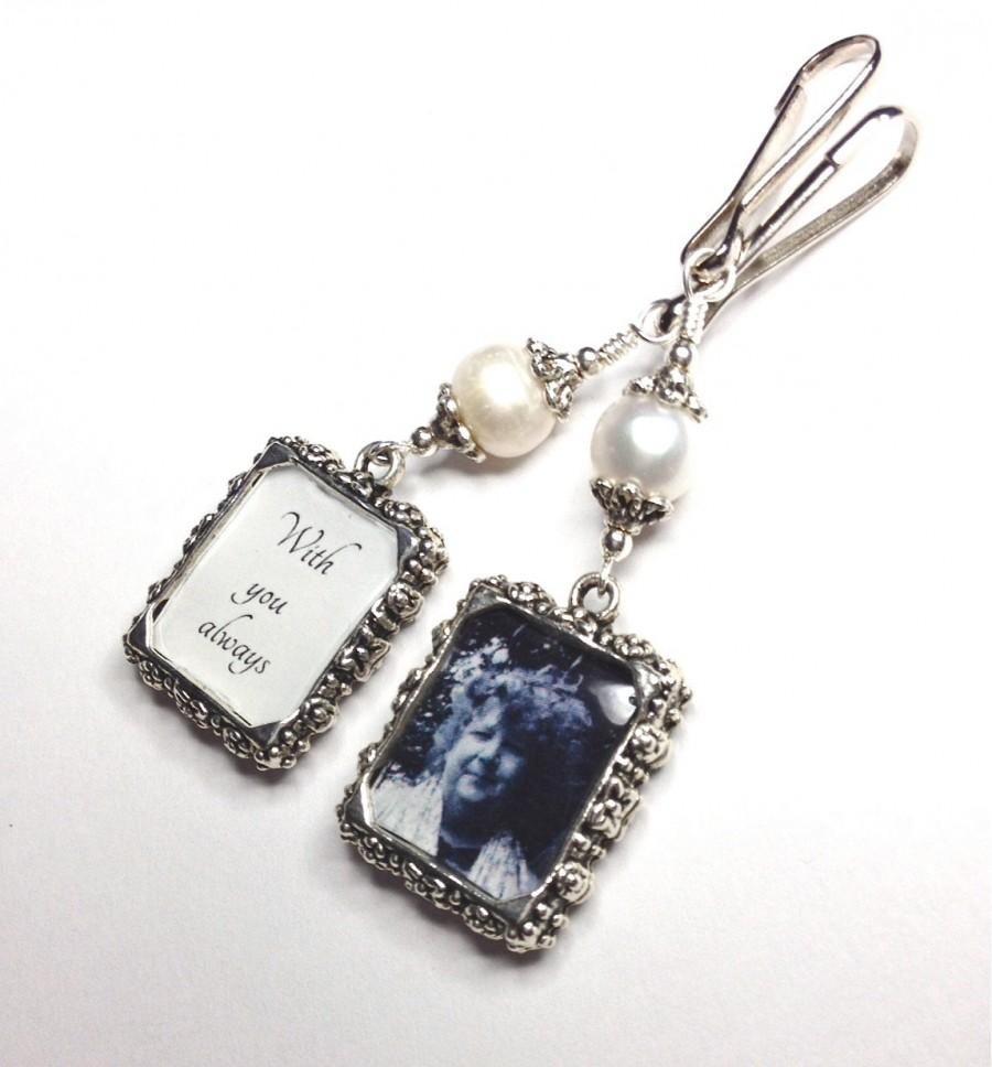 زفاف - 2 sided Wedding bouquet photo charm. DIY or I do photos. Pearl wedding charm. Memorial photo charm- 2 sided. Bridal shower gift. Sister gift
