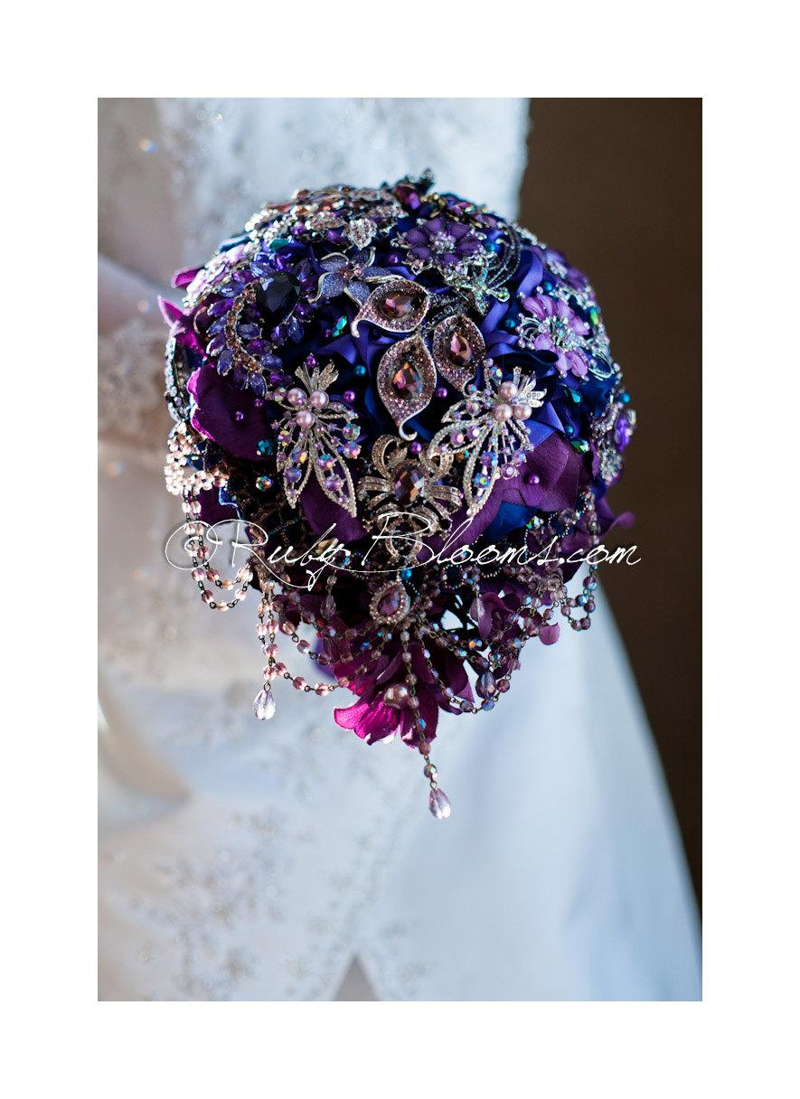 "Hochzeit - Cascading Purple Wedding brooch bouquet.""Midnight Masquerade"" Crystal Purple Teardrop Bouquet Violet Blue Bridal broach bouquet, Ruby Blooms"