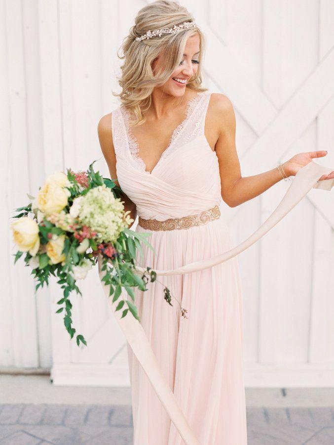 Свадьба - Ethereal   Elegant Wedding Inspiration At The White Sparrow Barn
