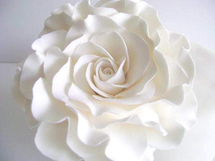 Свадьба - White Rose Cake Topper Flower Cake Topper Wedding Cake Flower Floral Wedding Cake Topper Clay Wedding Cake topper Made to Order
