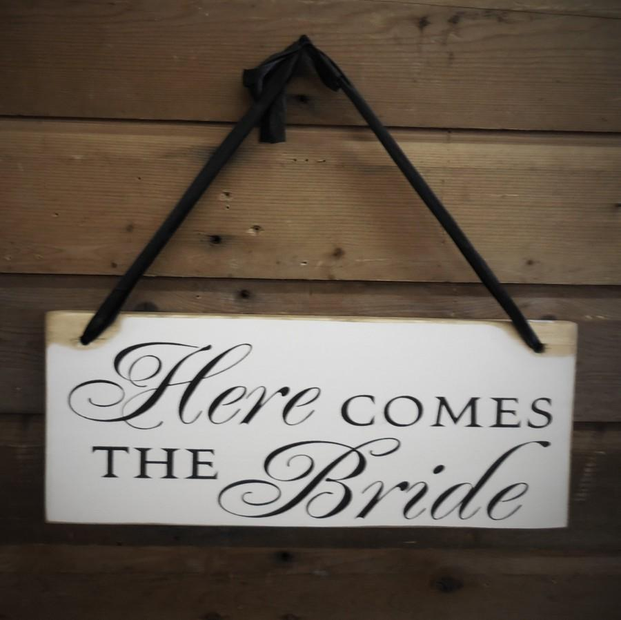 Mariage - Here comes the Bride Sign, Ringer Bearer, Flower Girl - Wooden Wedding Signs