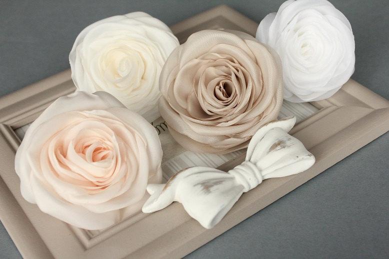 Mariage - Ivory flower, bridal hair clip, wedding hair accessories, pastel flower, bridal hairpiece