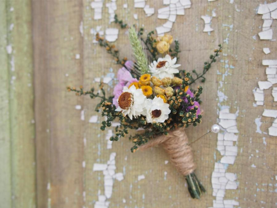 Mariage - Our FIELD FLOWER Dried Flower Wedding Boutonniere - Perfect for your RUSTIC Country Wedding