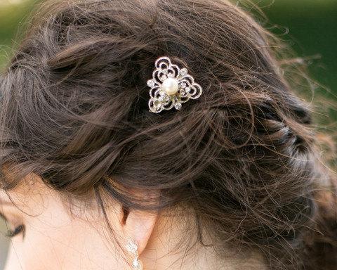 Свадьба - Vintage Style Hair Clip, Ivory Pearl Hair Slide, Eve