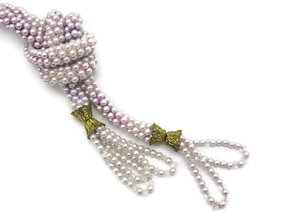 Hochzeit - Pearl Lariat Necklace - Vintage Sautoir Bridal Costume Jewelry, Pink