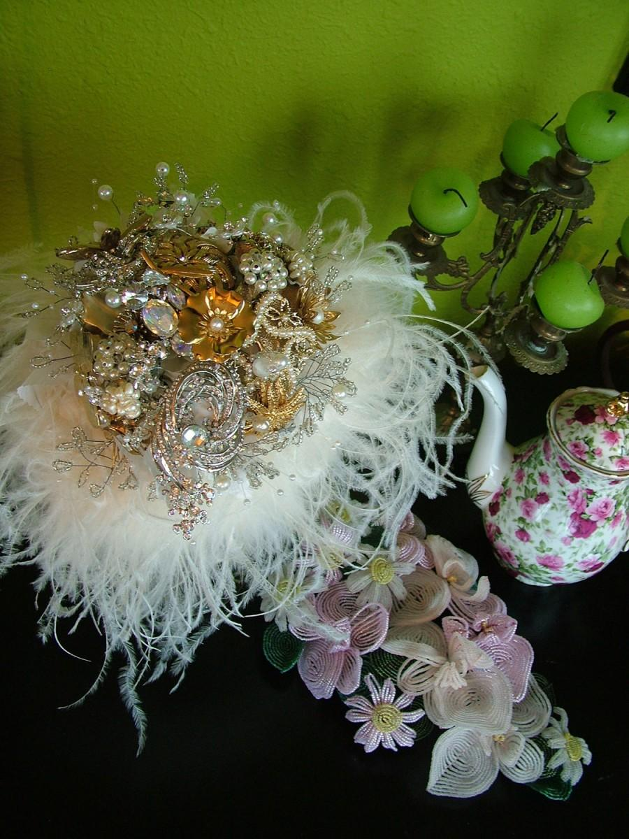 Свадьба - Wedding bouquet bridal bouquet antique brooches pins pearls crystal huge ostrich feathers bridal flowers