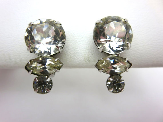 Mariage - Vintage Rhinestone Earrings - Screwback Clear Stones 1950s Bridal Wedding Costume Jewelry