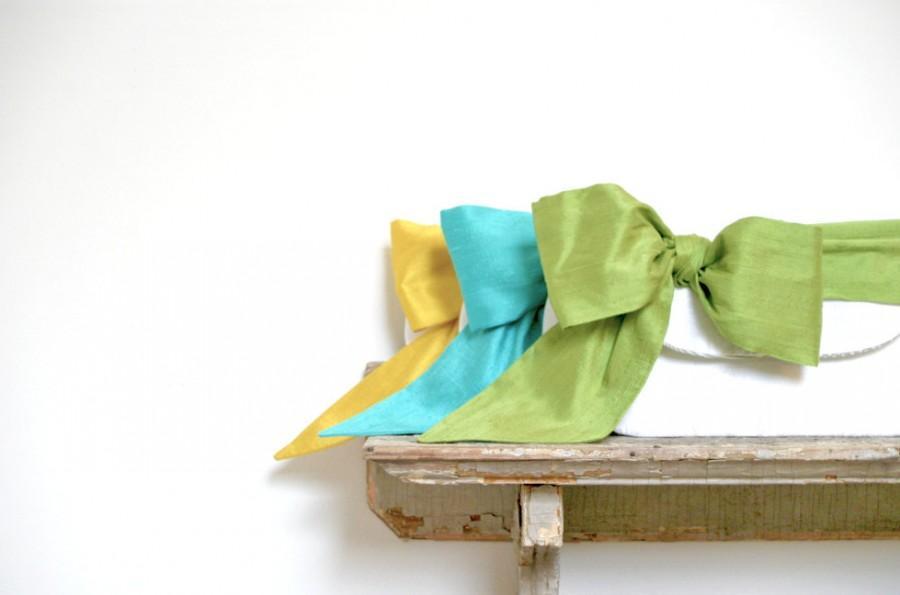 Свадьба - Ivory wedding clutch, Peacock Wedding, Summer wedding, Set of Clutches, Teal blue wedding, Bridal clutches, Wedding gift, Silk sash bow