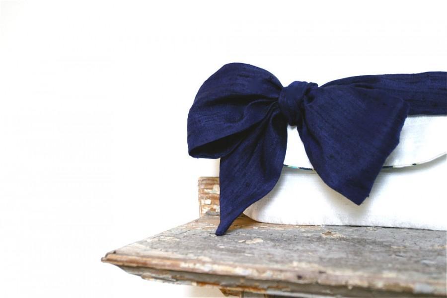Hochzeit - Beach wedding clutch, Navy blue personalized bridesmaids gifts, Wedding gift, Bridesmaid clutch, Bridal clutch purse, Ivory wedding clutch